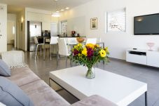 Appartement à Tel Aviv - Jaffa - Cozy Beach Home + Private PARKING!